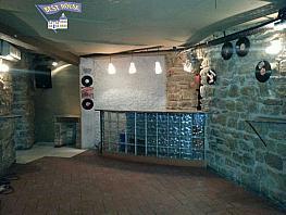 Foto - Local comercial en alquiler en calle Casc Antic, Manresa - 348222507