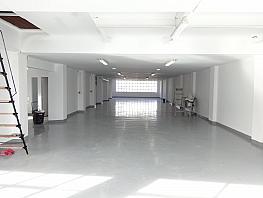 Local en alquiler en calle Miquel Romeu, Bellvitge en Hospitalet de Llobregat, L´ - 376110503