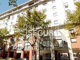 Piso en alquiler en calle Doctor Madrazo Osuna, Av. Ciencias-Emilio Lemos en Sevilla - 328341908