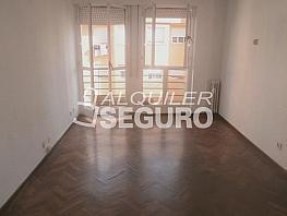 Piso en alquiler en calle Arroyo, Valdeacederas en Madrid - 329434021