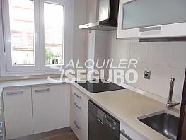 Piso en alquiler en calle María Luisa, Berruguete en Madrid - 332962557