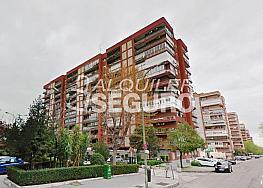Piso en alquiler en calle Ribadavia, Fuencarral-el pardo en Madrid - 333710849