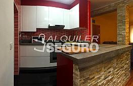 Piso en alquiler en calle La del Manojo de Rosas, Los Ángeles en Madrid - 360457182