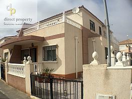 Fachada - Casa pareada en venta en calle Yeso, Regia, La - 281917117