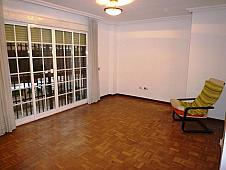 salon-piso-en-venta-en-calle-ocaantilde-a-aluche-en-madrid-183083777