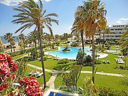Apartamento en venta en Puerto Banús en Marbella - 335414314