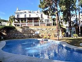 Casa adosada en alquiler en urbanización Cerca Hotel Puente Romano, Milla de Oro en Marbella - 331315270