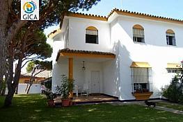 Foto - Chalet en venta en calle La Barrosa, La Barrosa en Chiclana de la Frontera - 283234697