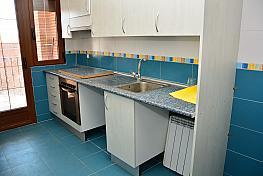 Cocina - Piso en alquiler en calle Maximino López, Valmojado - 262086255