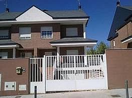 Casa pareada en venda calle Begonia, Moraleja de Enmedio - 209972316