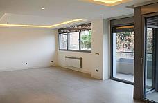 salon-piso-en-venta-en-mirasierra-en-madrid-226919509