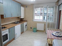 Casa pareada en alquiler en calle Avda Rioja, Zona Centro en Villanueva de la Cañada - 281137331