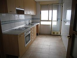 Cocina - Piso en alquiler en calle Carmen de Burgos, Universidad en Albacete - 314914915