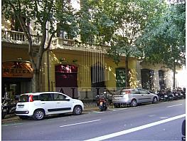 Local comercial en alquiler en Eixample en Barcelona - 351272043
