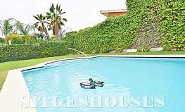 Jardín - Casa en alquiler en calle Avda Navarra, Terramar en Sitges - 322039495