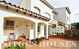 casa adosada en venta en calle vila de luchon, els ametllers en sitges