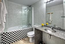 bano-piso-en-alquiler-en-sabateret-born-santa-caterina-en-barcelona-188940327
