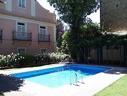 Piscina - Piso en alquiler en pasaje Carlos III, Barrio de Abantos en San Lorenzo de El Escorial - 331825108