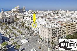 Vistas - Piso en alquiler de temporada en plaza San Juan de Dios, Ayuntamiento - Catedral en Cádiz - 339105457
