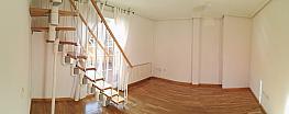 Salón - Ático-dúplex en alquiler en calle Bascones, Almenara en Madrid - 379289580