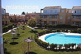 Piscina - Apartamento en alquiler de temporada en calle Octavio Augusto, Sancti Petri en Chiclana de la Frontera - 330139235