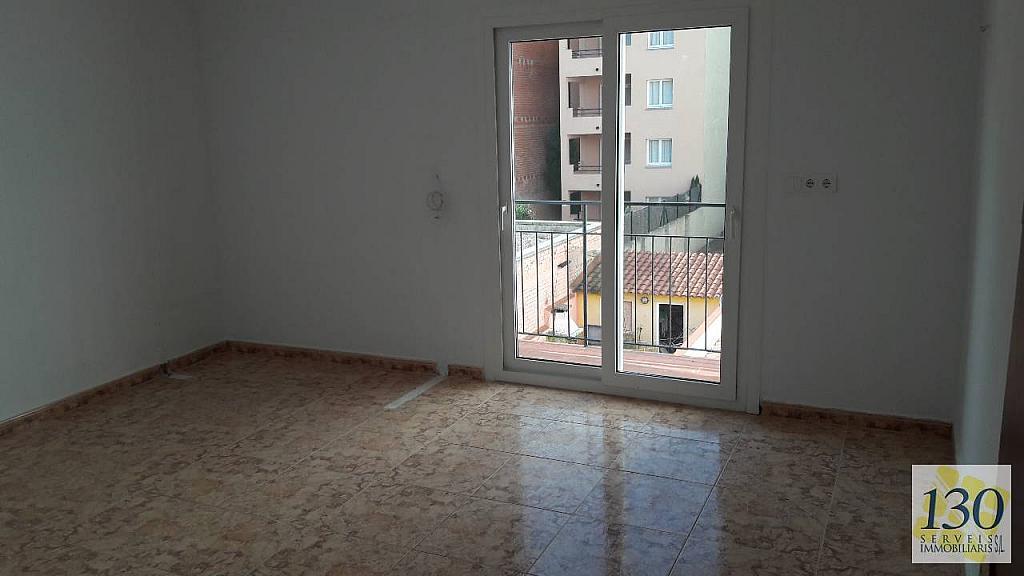 Piso en alquiler en calle De L'esglesia, Torroella de Montgrí - 329110636