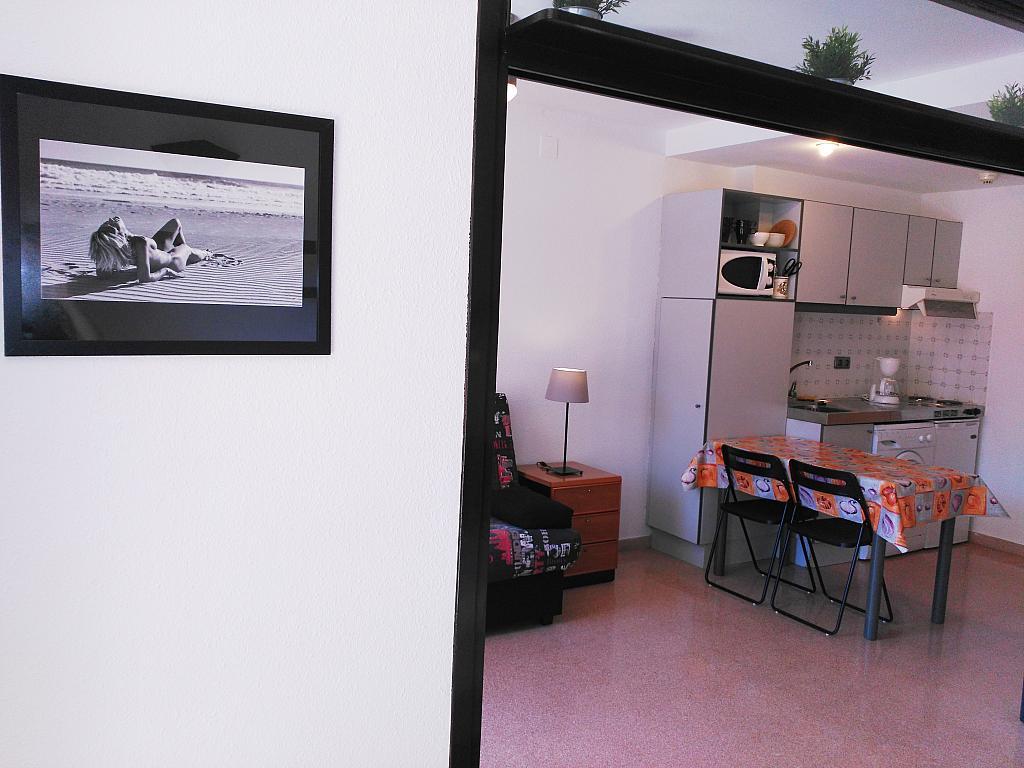 Apartamento en alquiler de temporada en calle Ramon y Cajal, Calella - 294034376