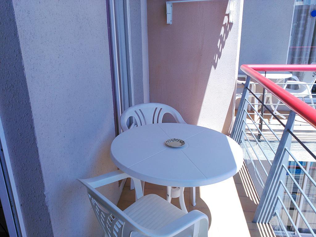 Apartamento en alquiler de temporada en calle Ramon y Cajal, Calella - 294035430