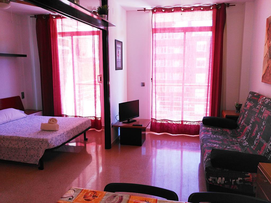 Apartamento en alquiler de temporada en calle Ramon y Cajal, Calella - 294035975