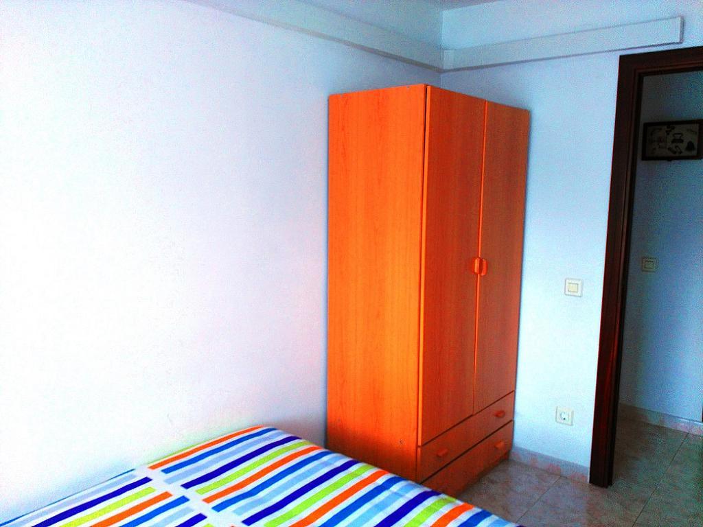 Dormitorio - Piso en alquiler de temporada en pasaje Merçe Rodoreda, Calella - 285270159
