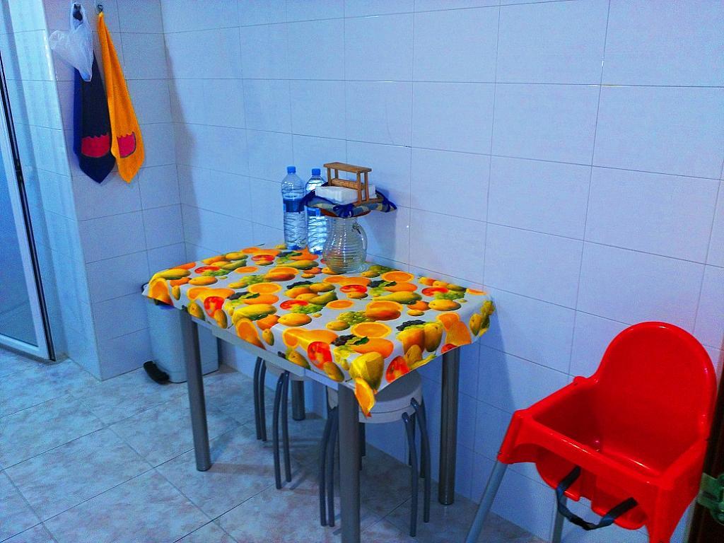 Cocina - Piso en alquiler de temporada en pasaje Merçe Rodoreda, Calella - 285270231