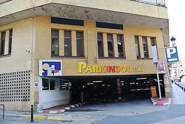 Parking en alquiler en calle Monturiol, Calella - 373181837