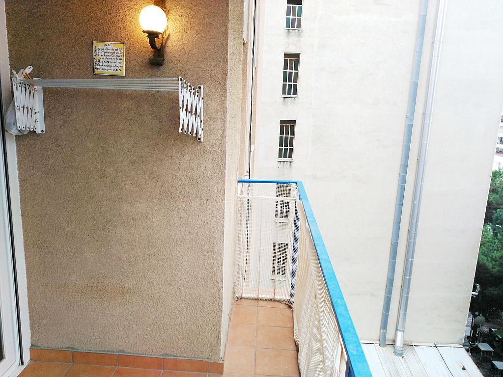 Piso en alquiler opción compra en calle Sant Jaume, Calella - 336724427