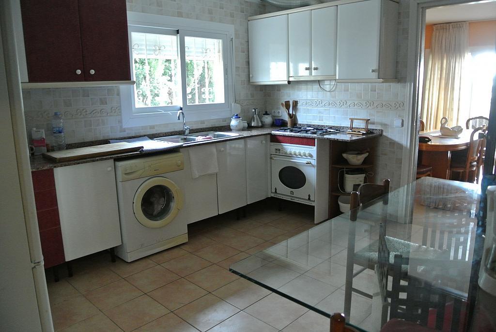 Casa en alquiler opción compra en calle Concepció Arenal, Urb. Mas Carbó en Palafolls - 232533016
