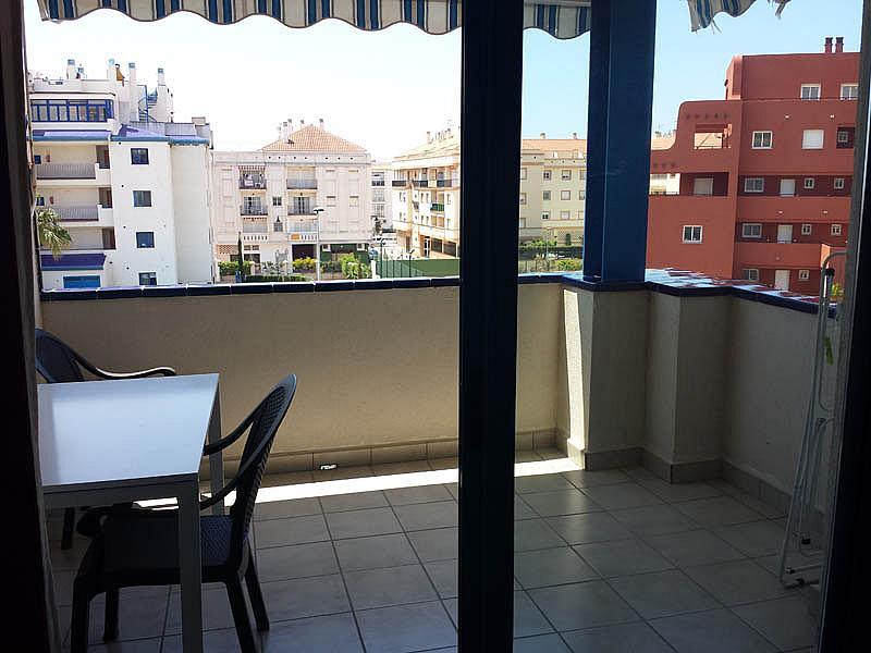 Piso en alquiler en urbanización Mezquitilla Playa, Mezquitilla - 140274505