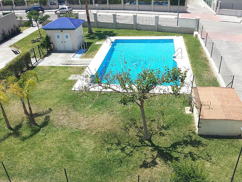 Piso en alquiler en urbanización Mezquitilla Playa, Mezquitilla - 140274510