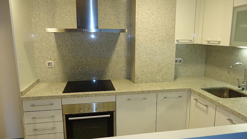 Cocina - Apartamento en alquiler en calle Prat de la Riba, Príncep de Viana - Clot en Lleida - 325290592