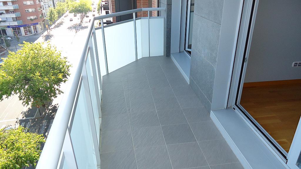 Balcón - Apartamento en alquiler en calle Prat de la Riba, Príncep de Viana - Clot en Lleida - 325290731