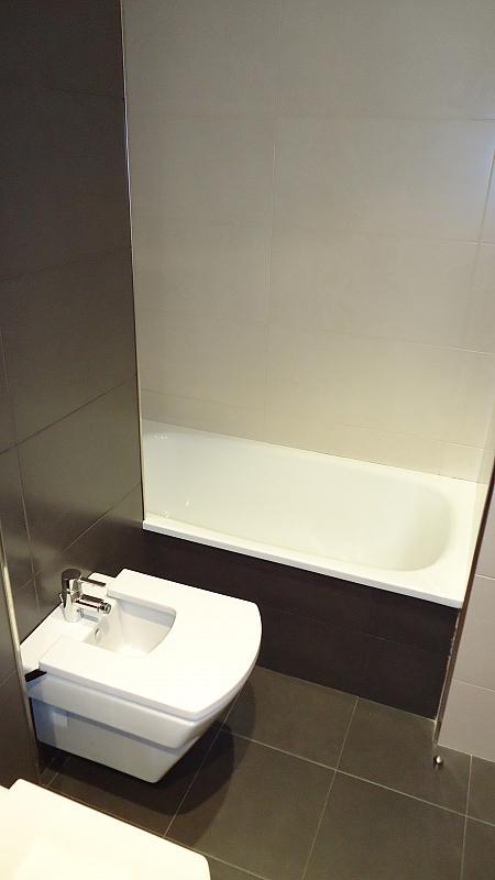 Baño - Apartamento en alquiler en calle Prat de la Riba, Príncep de Viana - Clot en Lleida - 325290837