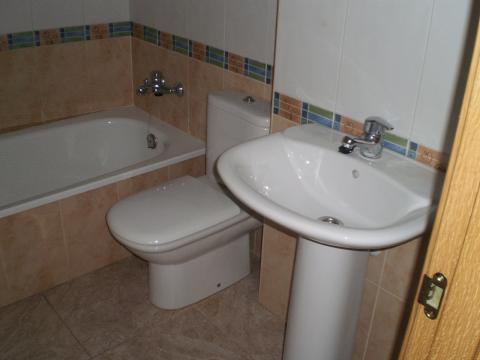Baño - Apartamento en venta en calle Sant Carles, Centre Històric en Lleida - 45848885