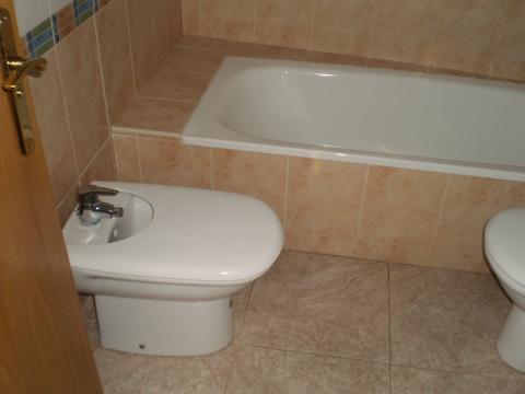 Baño - Apartamento en venta en calle Sant Carles, Centre Històric en Lleida - 45848886