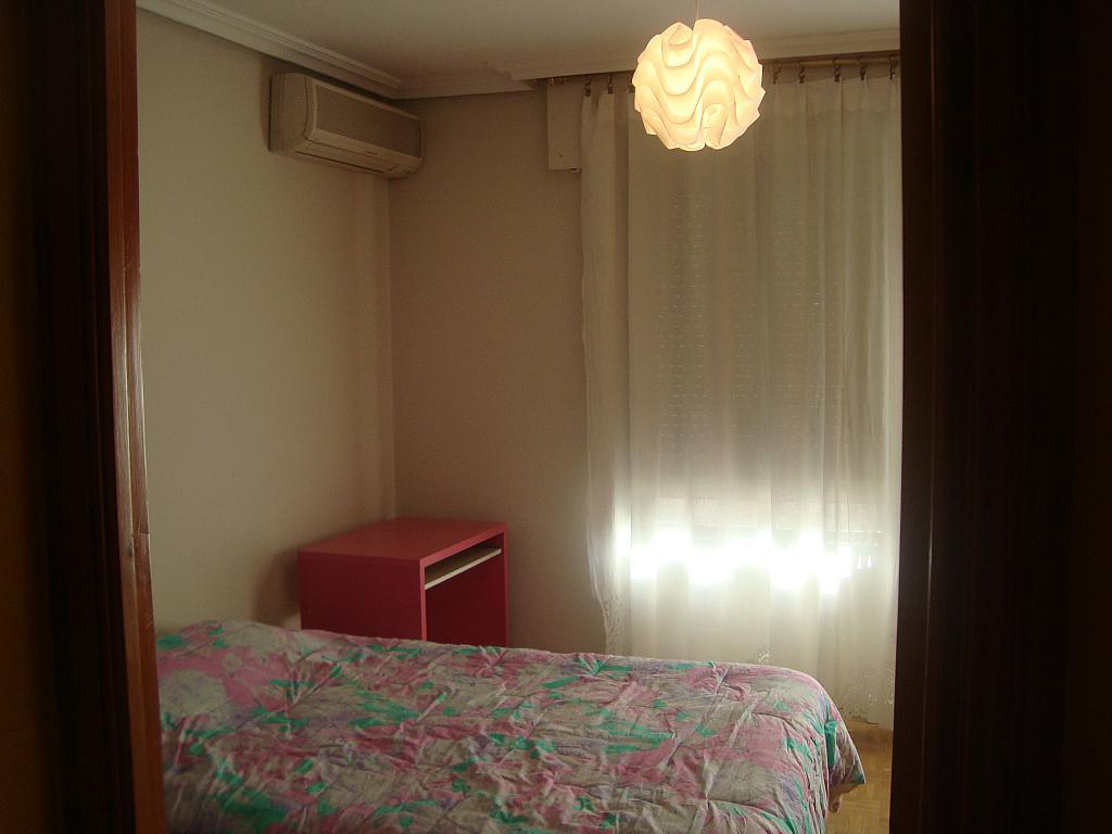 Piso en alquiler en calle Carmen Calzado, Casco Histórico en Alcalá de Henares - 255626382