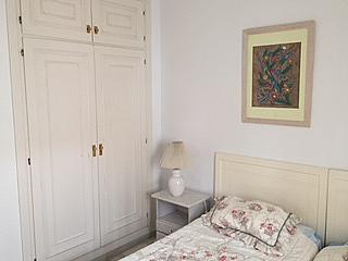Dormitorio - Casa adosada en alquiler de temporada en urbanización Lunamar, Mijas Costa - 254241698
