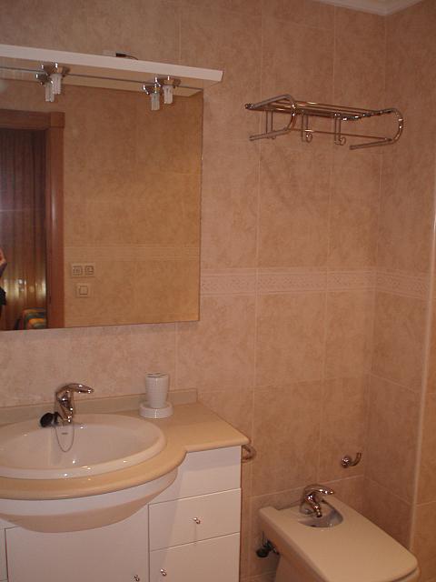 Baño - Piso en alquiler de temporada en calle Antonio Machado, Fuengirola - 137660874