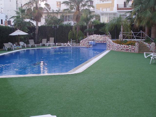 Piscina - Piso en alquiler de temporada en calle Antonio Machado, Fuengirola - 137660880