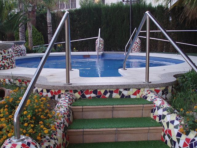 Piscina - Piso en alquiler de temporada en calle Antonio Machado, Fuengirola - 137660883