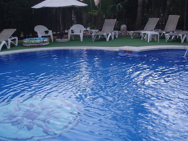 Piscina - Piso en alquiler de temporada en calle Antonio Machado, Fuengirola - 137660886
