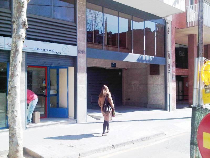 Parking en alquiler en calle Hondures, La Sagrera en Barcelona - 117943334