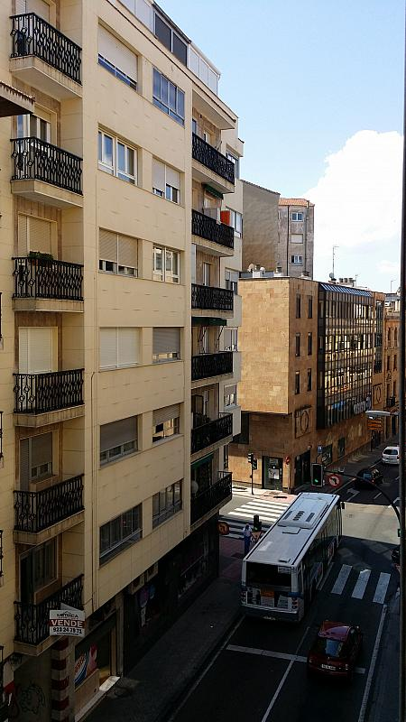 Apartamento en alquiler en calle Italia, San Bernardo en Salamanca - 244996461