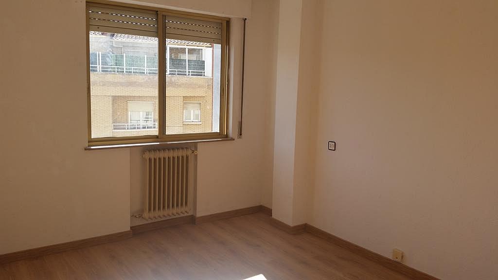 Piso en alquiler en calle Oropendola, Pizarrales en Salamanca - 308875453